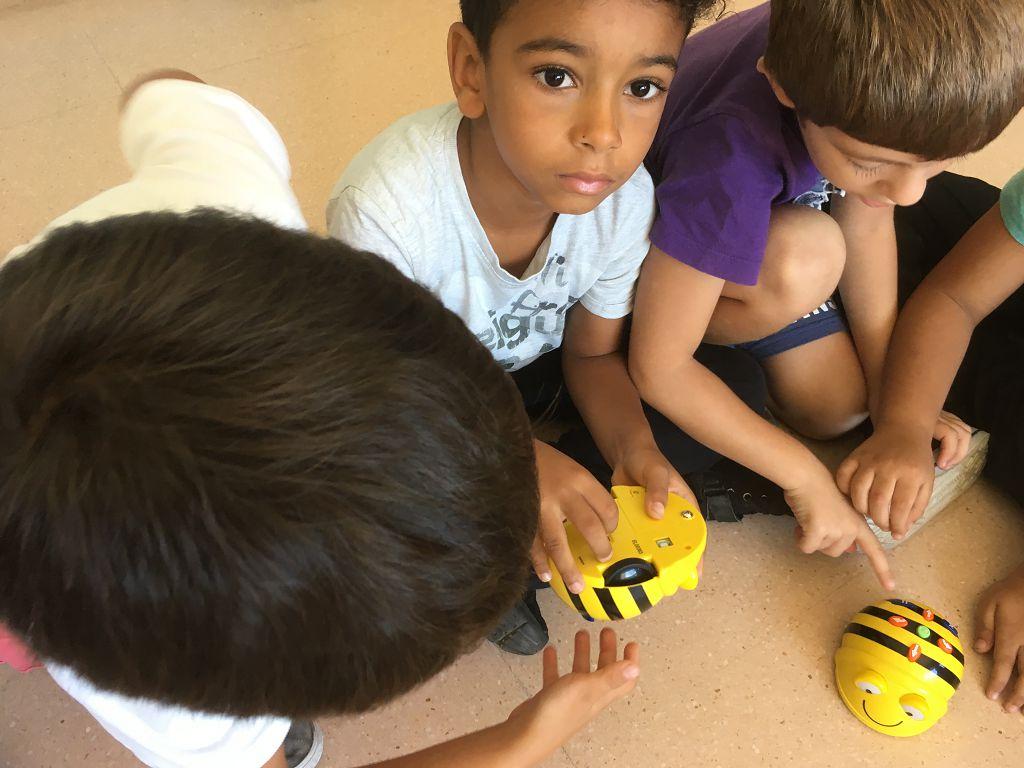 170919 Bee-bots 1r sessió 1 (12)