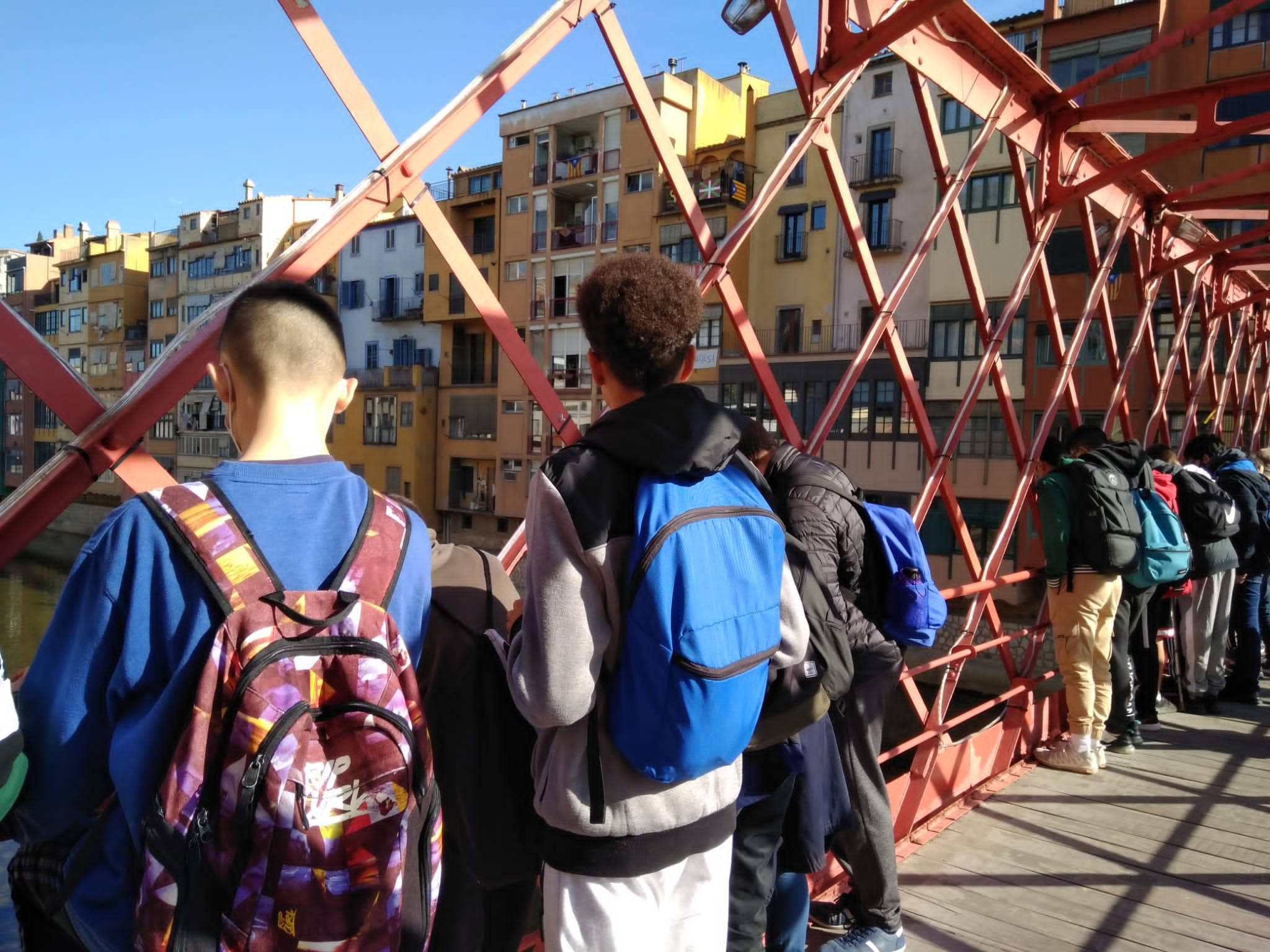 Creuant el pont de ferro