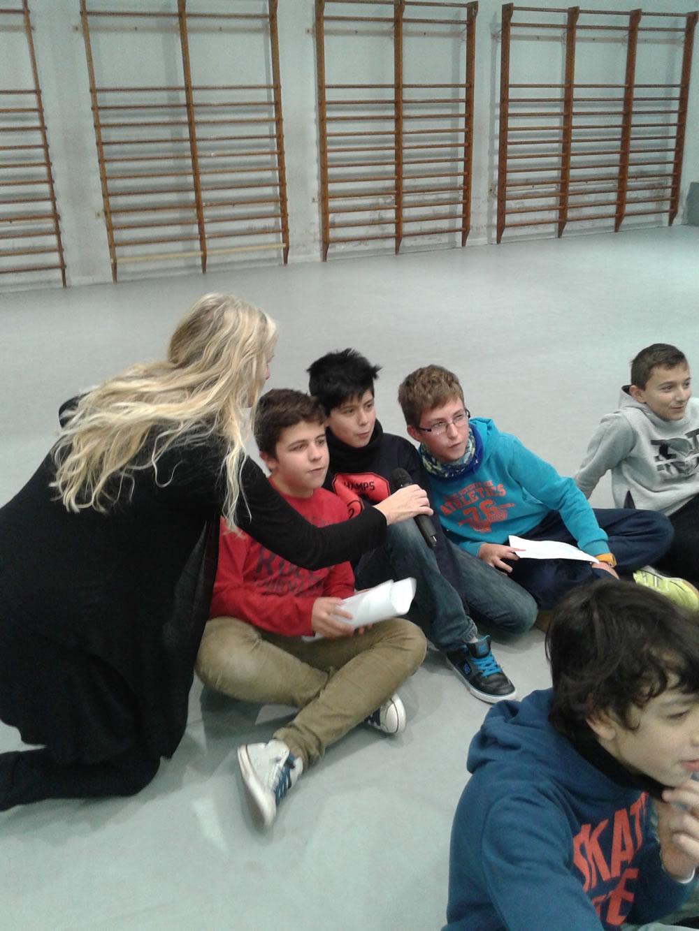 1st ESO children sing
