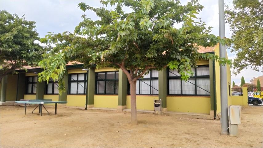 Edifici des del pati