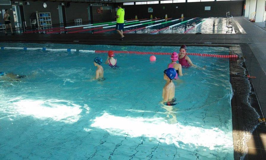 Primer ha anat a la piscina escola del mar vilassar de mar for Piscina vilassar de mar