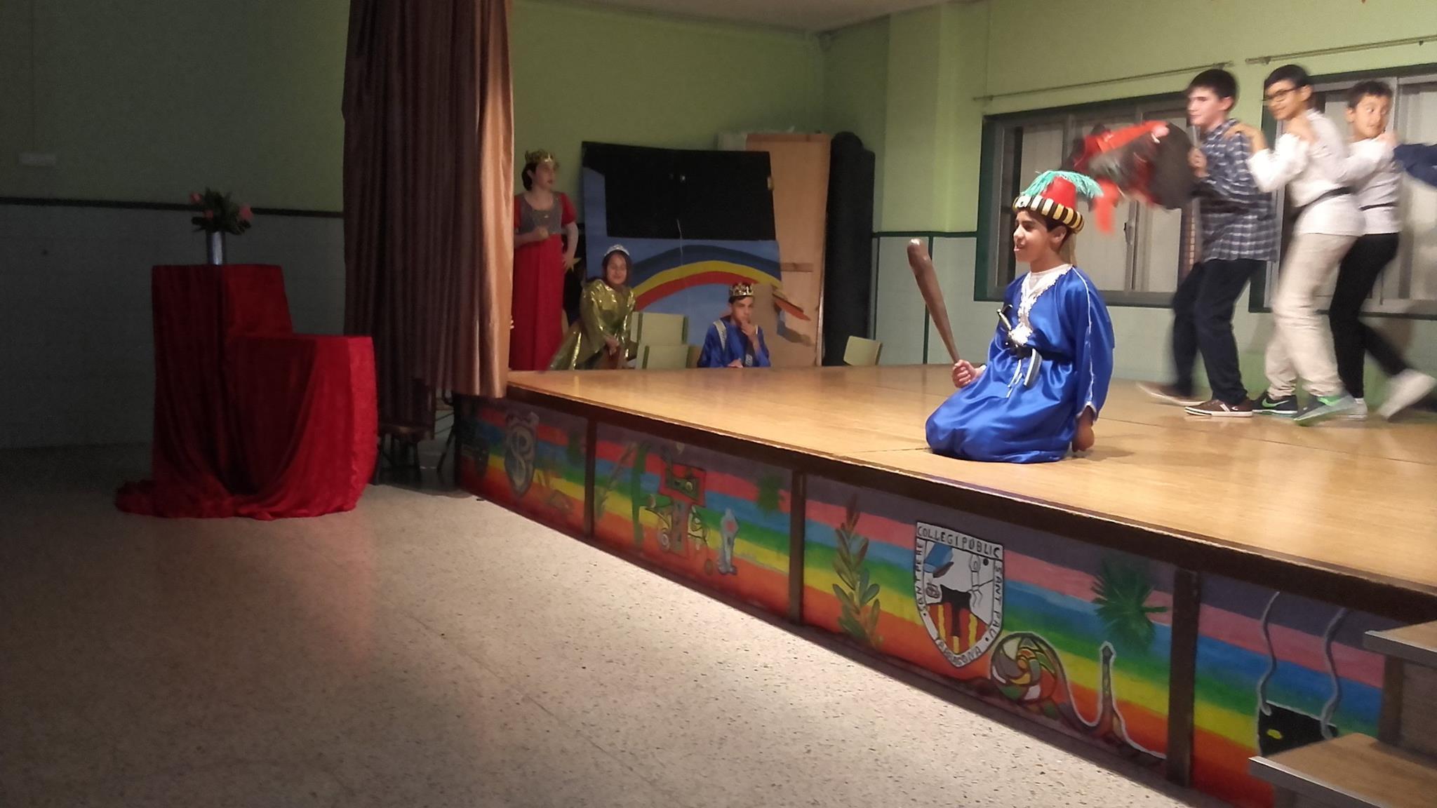 La llegenda de St. Jordi representada pels alumnes de 5èA (13)